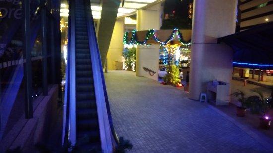 Holiday Inn Kuala Lumpur Glenmarie: P_20180106_210945_large.jpg