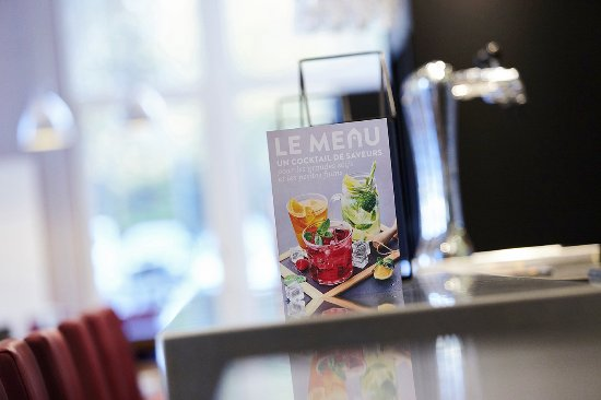 Gif-sur-Yvette, France: Profiter de notre comptoir pour les petites faims