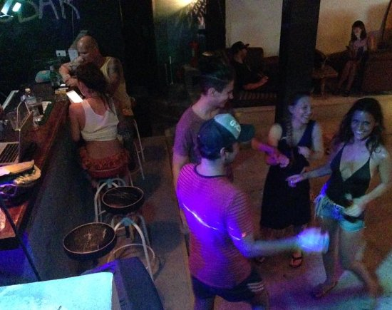 Fubar Guesthouse: Dance Floor and bar