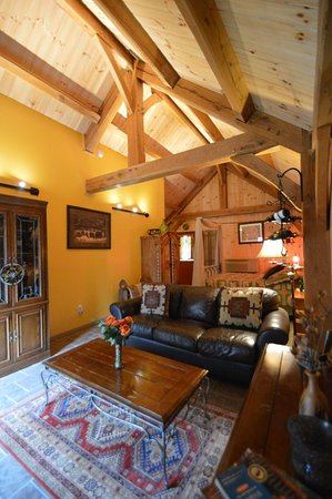 Shadow Mountain Escape: Cozy Timber Frame cabins - Butterfly cabin!