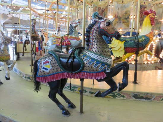 Trimper's Rides and Amusement Park: Absolutely gorgeous carousel horse