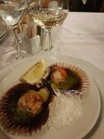 Restaurante noray ii en m laga con cocina marisco for Cocinas malaga precios