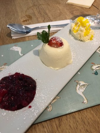Gloucestershire, UK: panna cotta