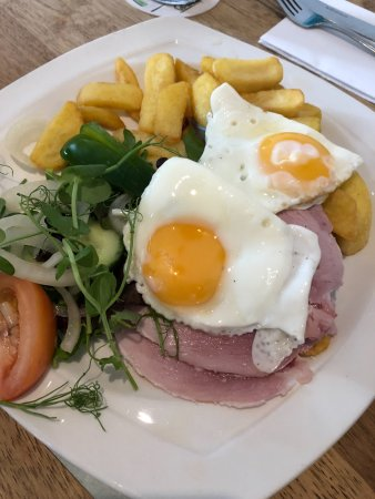 Gloucestershire, UK: gammon and egg