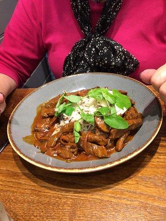 Johnstone, UK: Beef Stroganoff