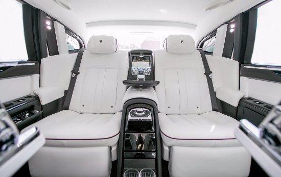 Rolls Royce Phantom Serier 2 interior. VIP Chauffeur Service in ...