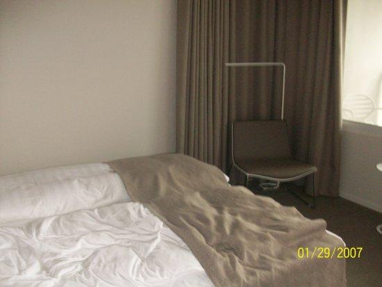 Cully, Suiza: Vista parcial de la habitación.
