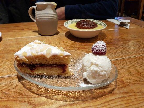 Dent, UK: Bakewell tart
