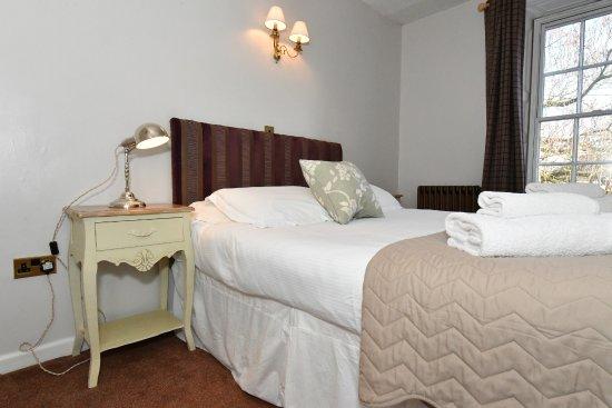 Lansdowne Hotel Calne Reviews