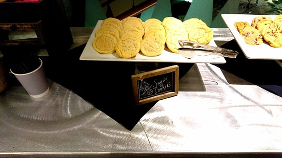 6f5c75200ad Magnolia Hotel Dallas Downtown: Preferred this over the chocolate chip  cookies