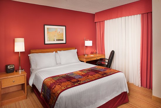 Studio suites at Residence Inn Tysons Corner Mall include a fully equipped kitchen