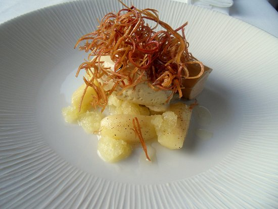 Temple Sowerby, UK: Apple and Hay,  Confit of Cox Apple in Toasted Hay Oil, Hay-Smoked Honey Ice Cream, Meadosweet M