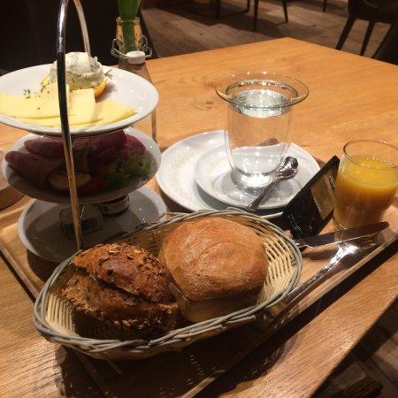 """Neuhof, Alemanha: Das """"Guten Morgen"""" Frühstück"""