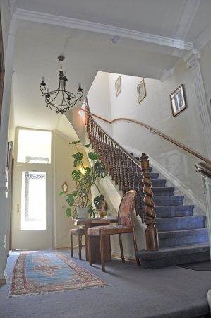 Hotel Villa Kisseleff: Stairway to heaven? - No, to 1st floor