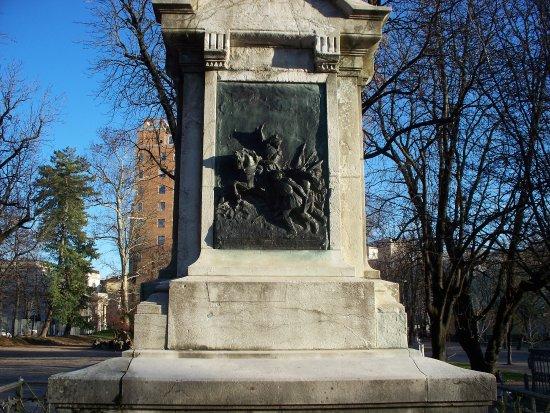 Monumento a Luciano Manara