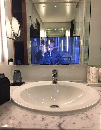 Radisson Blu Plaza Hotel, Helsinki: TV in the mirror