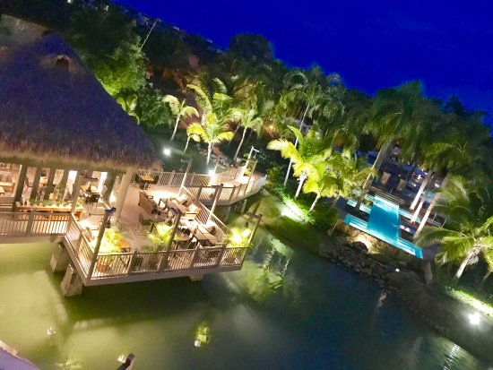 The Buenaventura Golf & Beach Resort Panama, Autograph Collection: lake, pool and dinning bar and restaurant