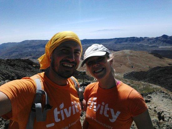 San Cristobal de La Laguna, إسبانيا: Senderismo hacia el pico del Teide - Hiking to Teide's peak. 