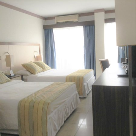 Queens Hotel Suriname : Twinroom