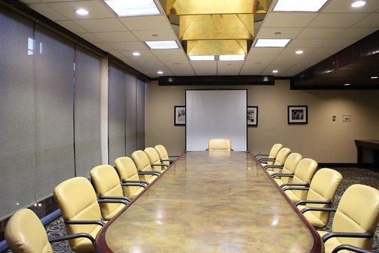 شولاز هوتل آند جولف كلوب: Boardroom 