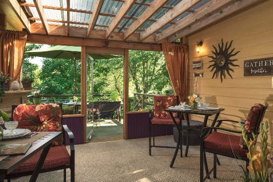 Addison, Pensilvania: Covered deck