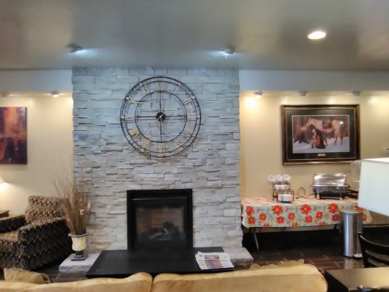Richfield, UT: Our cozy fireplace located in the lobby.