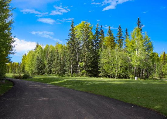 Slave Lake, Kanada: Opening hole at Gilwood Golf Club