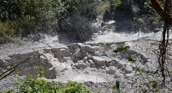 Rincon de La Vieja National Park: bubbling mud pots