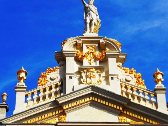 แกรนด์เพลซ: Grand Place