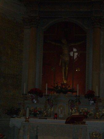 Monte Castello di Vibio, Italien: Il crocifisso sull'altare maggiore