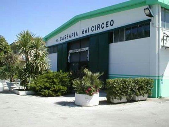 Terracina, Italy: Industria Casearia del Circeo