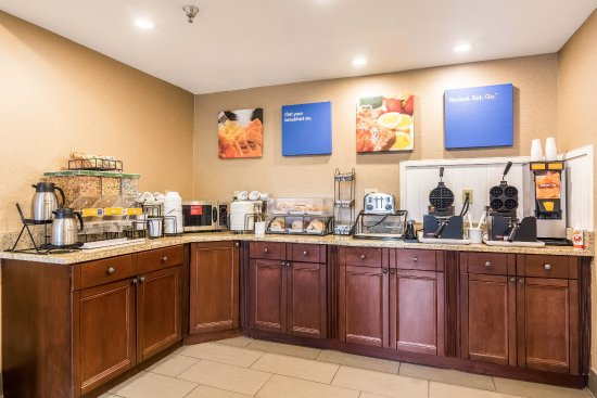 Comfort Inn: Complimentary Breakfast Daily