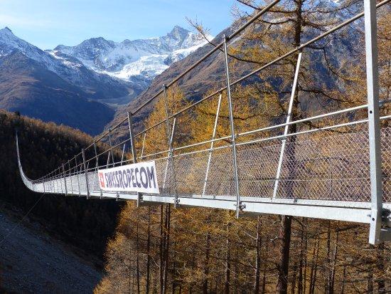 Randa, Ελβετία: De l'autre côté de la passerelle