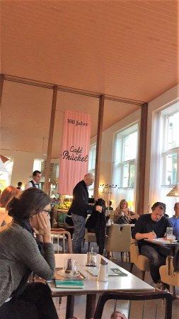Cafe Prueckel : Front dining room