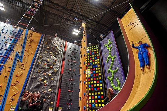 Richmond, Canadá: Vertical Drop Slide