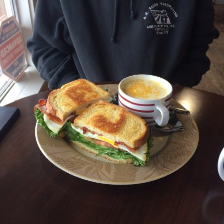Fortuna, CA: Blt with egg