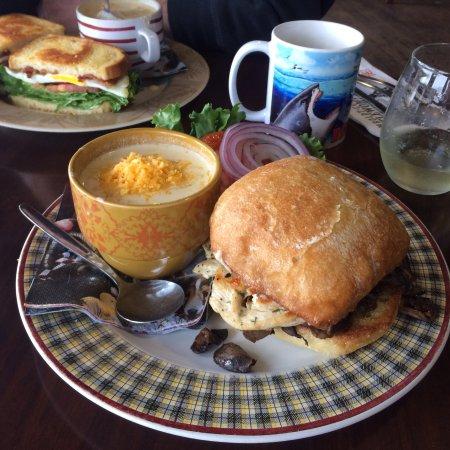 Fortuna, Kaliforniya: Grilled chicken sandwich