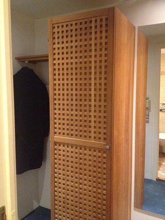 Copenhagen Admiral Hotel : Wardrobe & smaller dressing mirror next to it, coat hanging space at entrance