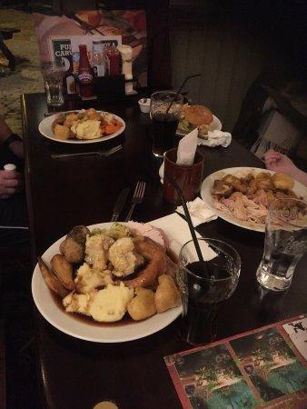 Boldon, UK: Full plates of good hot food
