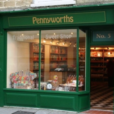 Truro, UK: Pennyworths Traditional Sweet Shop