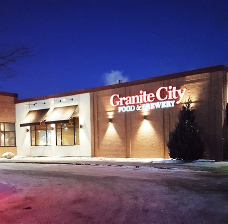 Granite City Food & Brewery : outside