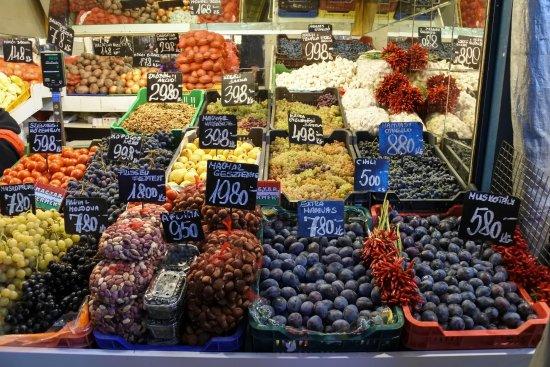 Central Market Hall: Fruit stall