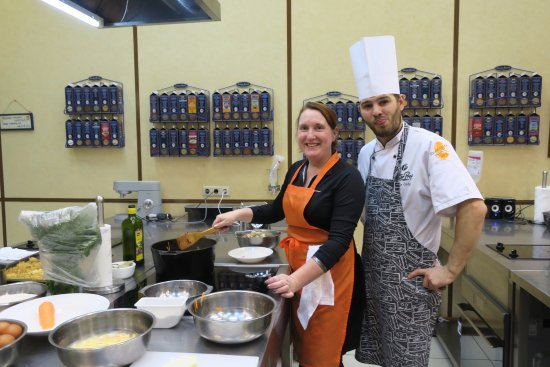 Petersburg Free Tour: Me, cooking delicious and heavy Russian food with the chef Artëm