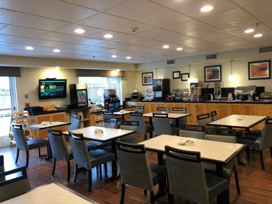 Edmonds, WA: Breakfast Area
