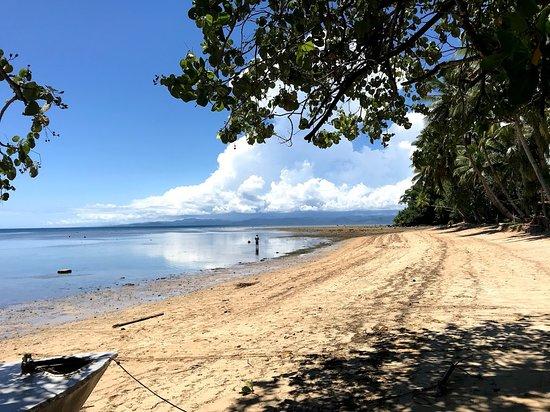 Beqa Island, Fiji: Low tide