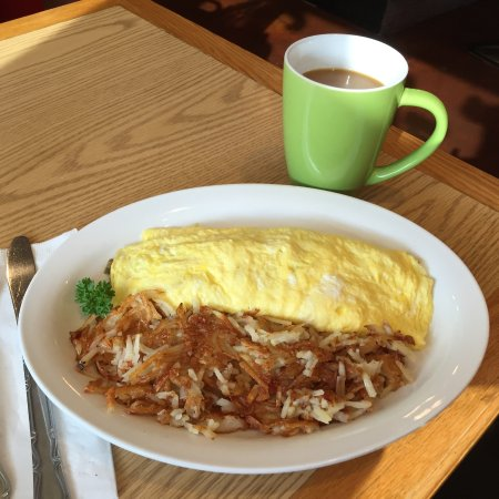 Ed & Mo's Diner: The Denver omelet and crispy hashbrowns