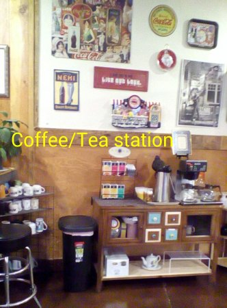 Ed & Mo's Diner: Coffee and tea always fresh, hot and served with a smile.