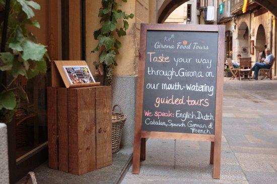 """Girona, España: Welcome to our home... """"Benvinguts/ Bienvenido"""". Please come in! :-)"""