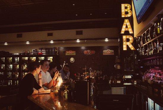 Alabama: Bar