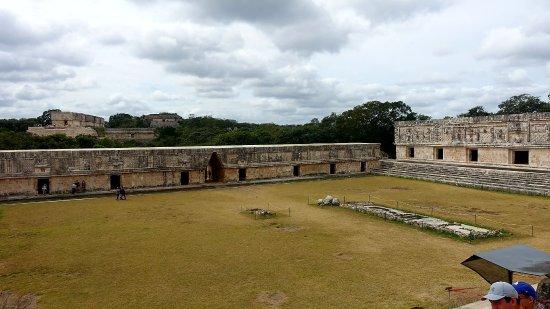 Uxmal, Mexico: DSC00686_large.jpg